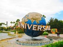 奥兰多,美国- 2014年1月04日:在环球影业佛罗里达主题乐园的著名普遍地球 免版税库存照片