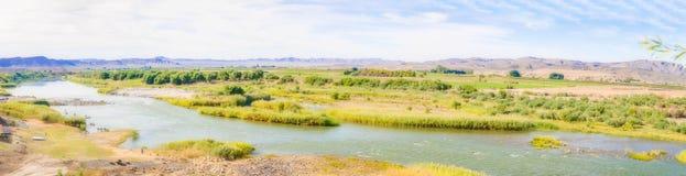 奥兰治河纳米比亚和南非边界 库存图片
