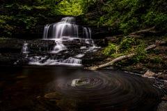 奥内达加人跌倒-里基茨幽谷国家公园-宾夕法尼亚 免版税图库摄影