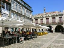 奥利维拉广场在吉马朗伊什,葡萄牙 库存图片