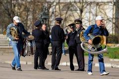 奥勒尔号,俄罗斯- 2018年5月01日:劳动节集会 wal资深的音乐家 免版税图库摄影