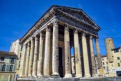 奥古斯都寺庙在维埃纳,法国的历史的中心 库存照片