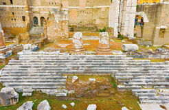 奥古斯都,火星Ultor寺庙论坛在罗马,意大利 免版税库存图片