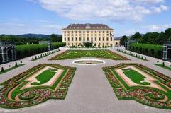 奥地利庭院宫殿秘密的schonbrunn维也纳 免版税库存照片
