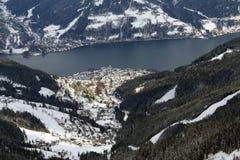 奥地利手段看到滑雪zell 库存图片