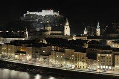 奥地利晚上saltsburg萨尔茨堡 库存图片