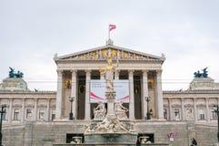 奥地利议会和雅典娜纪念碑在维也纳,奥地利 免版税库存照片