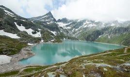 奥地利,山的小海 免版税库存图片