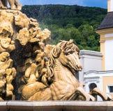 奥地利,萨尔茨堡,在Residenzplatz的喷泉 库存图片