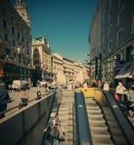 奥地利,维也纳12 06 2013年,在Stephansplatz的自动扶梯 免版税图库摄影