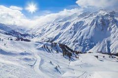 奥地利hochgurgl山区度假村滑雪 图库摄影