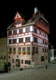 奥尔布雷克特Durer的之家晚上视图在纽伦堡 免版税图库摄影