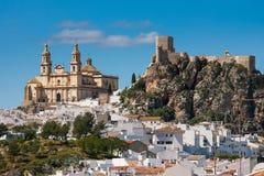 奥尔维拉是卡迪士省的,安达卢西亚,南西班牙- Parroquia de Nuestra夫人de la恩卡纳西翁一个白色村庄 免版税库存图片