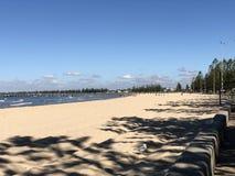 奥尔顿海滩在一晴朗的summer's天 免版税库存图片
