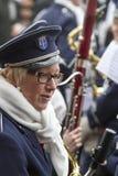 奥尔登扎尔,荷兰- 2011年3月6日:在每年狂欢节队伍期间的音乐家在奥尔登扎尔,荷兰 库存照片