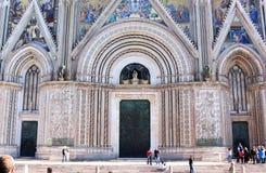 奥尔维耶托大教堂,翁布里亚,意大利门面  免版税库存图片