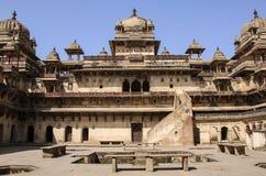 奥拉奇哈堡垒贾汉吉尔玛哈尔,奥拉奇哈,中央邦,印度 免版税库存照片