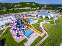 奥拉迪亚,罗马尼亚- 2017年5月17日:奥拉迪亚waterpark鸟瞰图  库存图片
