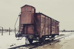 奥斯威辛/波兰- 02 15 2018年:火车无盖货车 免版税库存照片