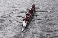 奥斯汀在查尔斯赛船会妇女的青年时期Eights头赛跑  免版税库存照片