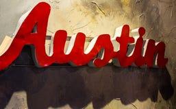 奥斯汀得克萨斯金属标志上盘接近的角度 库存图片