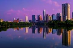 奥斯汀日出反射地平线都市风景 免版税库存照片