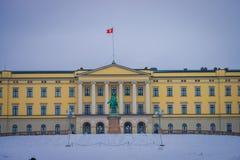 奥斯陆,挪威- 2018年3月, 26日:王宫的室外看法,在19世纪的前期安装了 免版税库存图片