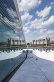 奥斯陆,挪威- 7月09 :在全国奥斯陆歌剧院的边的看法 免版税库存图片