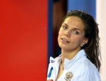奥林匹亚和世界拥护游泳者尤莉娅YEFIMOVA鲁斯 免版税库存图片