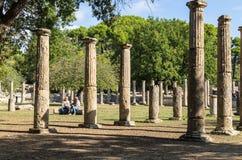奥林匹亚,希腊- 2017年10月31日:古老奥林匹亚,伯罗奔尼撒半岛,希腊的废墟 免版税库存图片