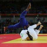 奥林匹克冠军捷克Judoka白色的卢克斯Krpalek在反对葡萄牙的豪尔赫丰塞卡湾的胜利以后 免版税库存图片