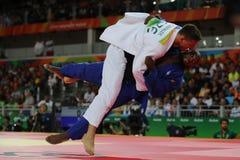 奥林匹克冠军捷克Judoka白色的卢克斯Krpalek在反对葡萄牙的豪尔赫丰塞卡湾的胜利以后 免版税图库摄影