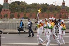 奥林匹克火的种族在莫斯科 免版税库存照片
