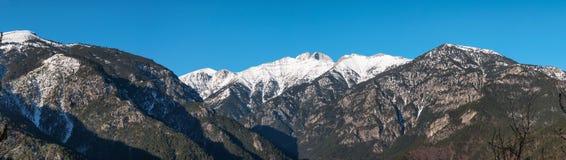 奥林匹斯山山全景在希腊 免版税库存图片
