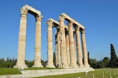 奥林山宙斯的寺庙废墟在雅典 免版税库存图片