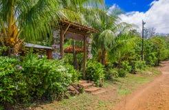 奥梅特佩岛,尼加拉瓜, 2018年5月, 14日:环境友好的餐馆,咖啡馆imperio室外看法,被找出结合minuts 图库摄影