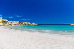 奥特朗托和它的海滩, Salento半岛,普利亚地区,意大利美丽的镇  库存照片