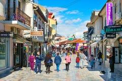奥赫里德购物街道,马其顿 免版税库存图片