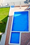 奥里韦拉,西班牙2016年6月06日:游人的公寓在海附近在西班牙 库存照片