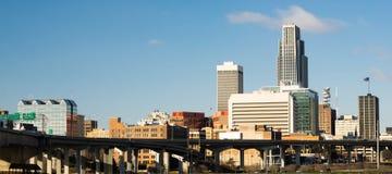 奥马哈内布拉斯加街市市地平线高速公路天桥 免版税图库摄影