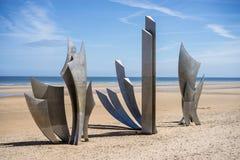 奥马哈海滩世界大战2纪念品下落的美军士兵 库存照片