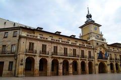 奥维耶多市政厅 库存照片