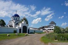女修道院的大门在克拉斯诺达尔疆土 免版税库存照片