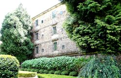 女修道院看法在compostela西班牙圣地亚哥  免版税库存照片
