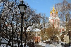 女修道院novodevichy的莫斯科 颜色冬天照片 免版税库存图片