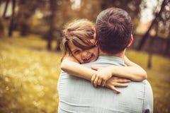女儿和父亲爱  免版税库存照片