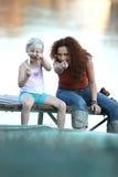 女儿她的母亲 图库摄影