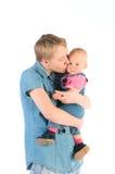 女儿愉快的矮小的母亲 免版税库存照片