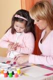 女儿母亲模子彩色塑泥 库存照片