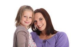 女儿系列愉快的母亲纵向微笑 免版税库存图片